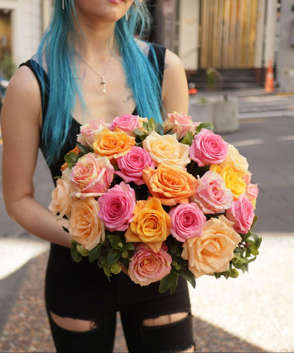 2doz mixed classic roses
