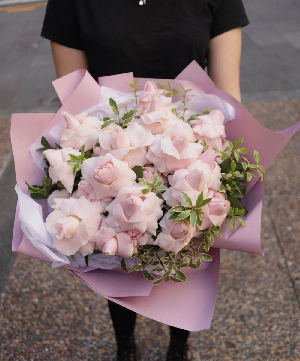 2doz pink inverted® roses